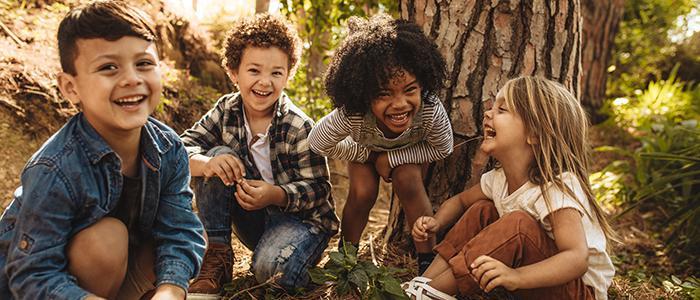 蓬勃发展的人 & 社区-孩子们的欢笑